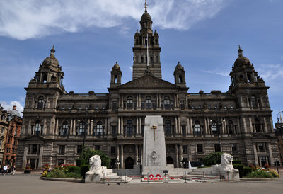 The War Memorial and Glasgow City Chambers, George Square