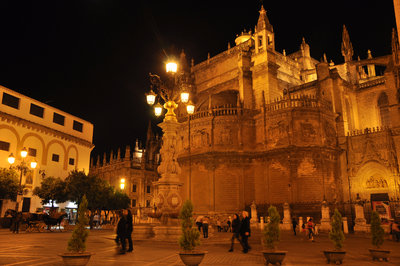 Seville%20Cathedral%20illuminated%20at%20night